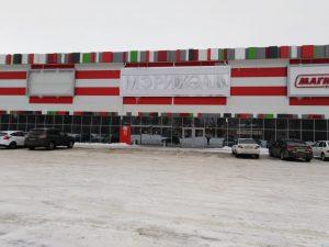 Строительство фасада торгового центра